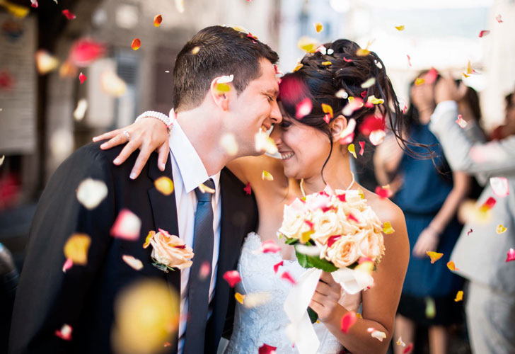 Закохалися на весіллі своїх дітей